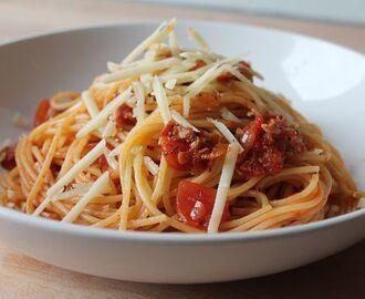 lachs spaghetti rezepte mytaste. Black Bedroom Furniture Sets. Home Design Ideas