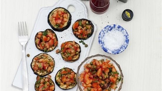 Grillad aubergine med tomatsalsa
