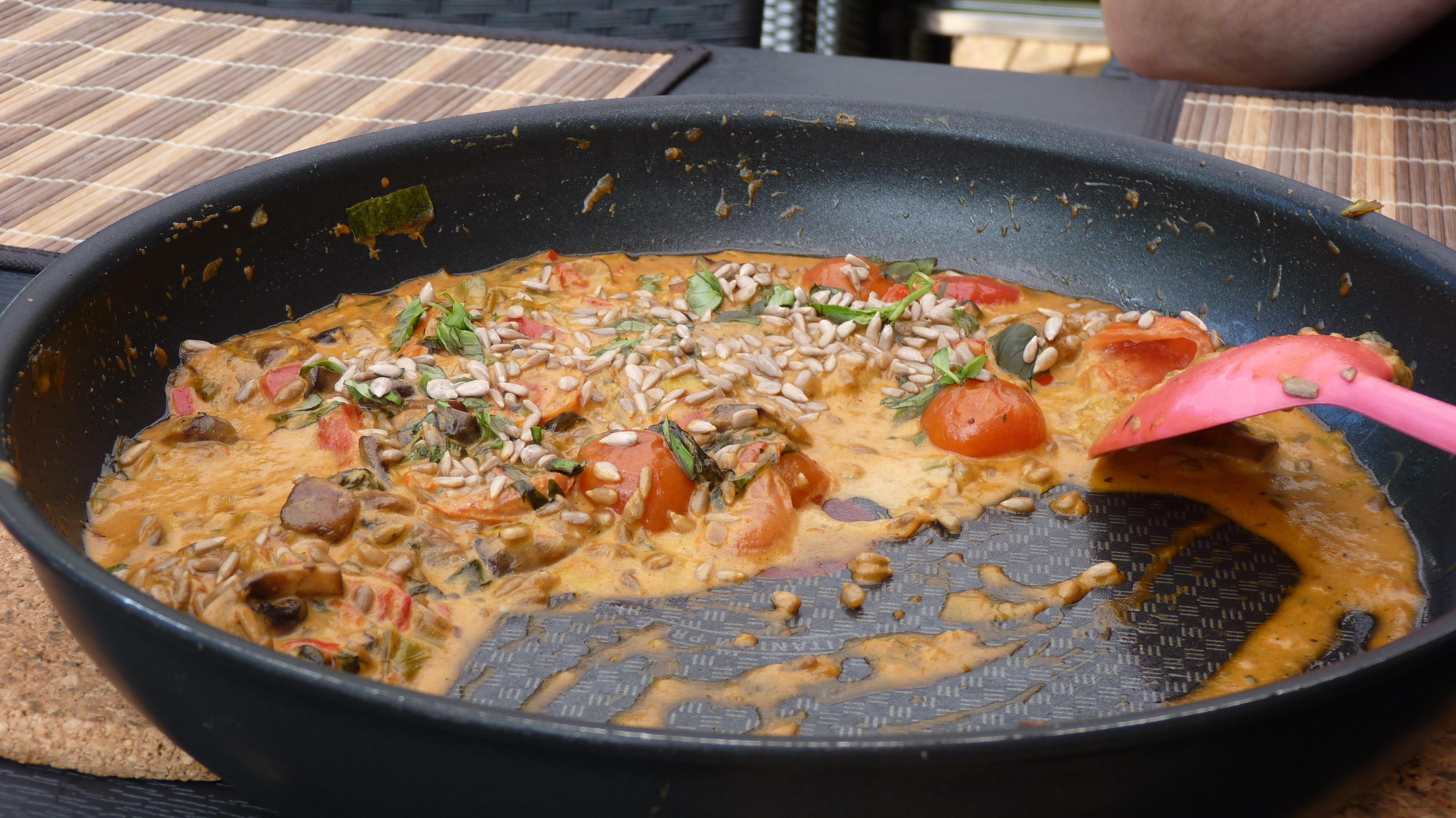 Pasta med grönsakssås