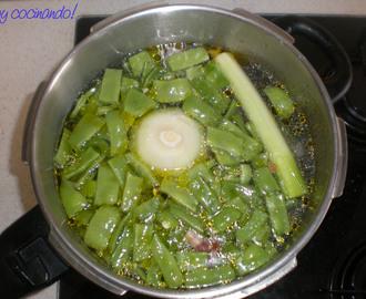 Recetas de cocido andaluz mytaste - Cocido en la olla express ...