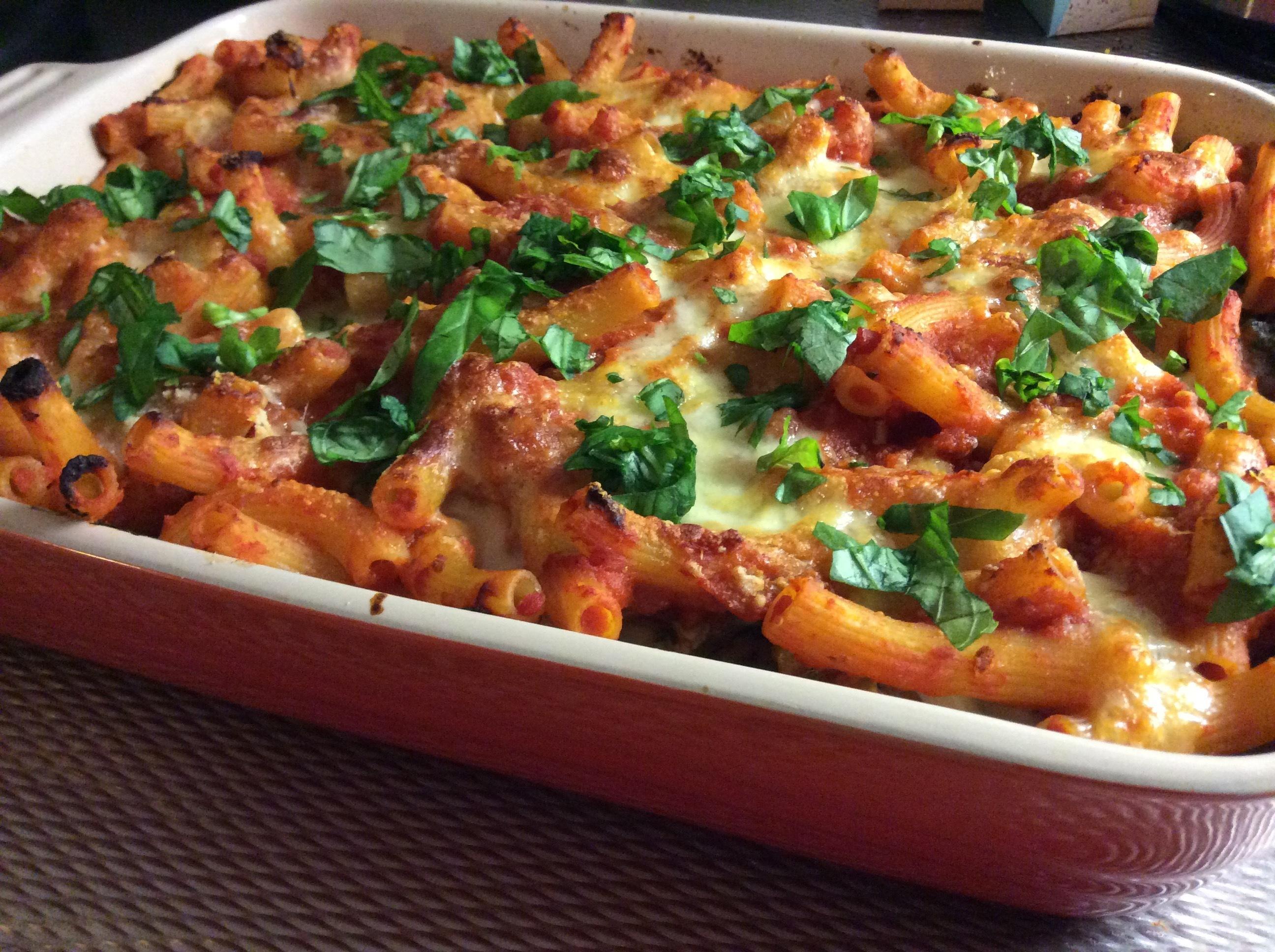 Ugnsbakad pasta med vitlöksfrästa grönsaker