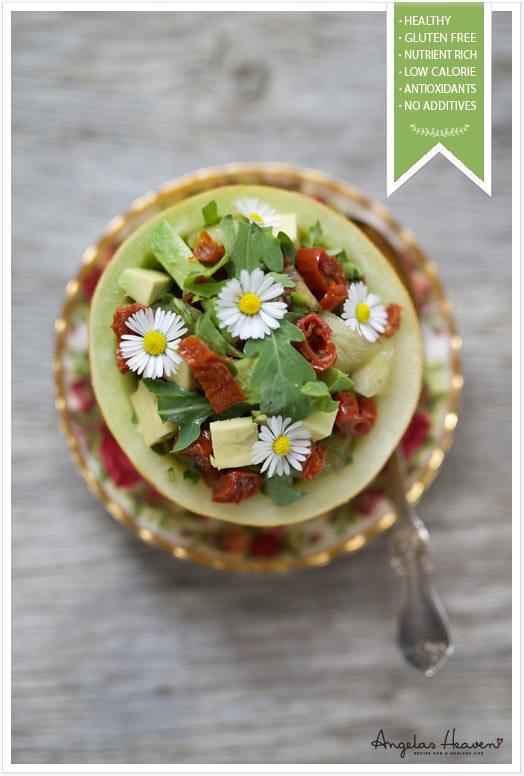 Enkel, nyttig lunch i en melonskål