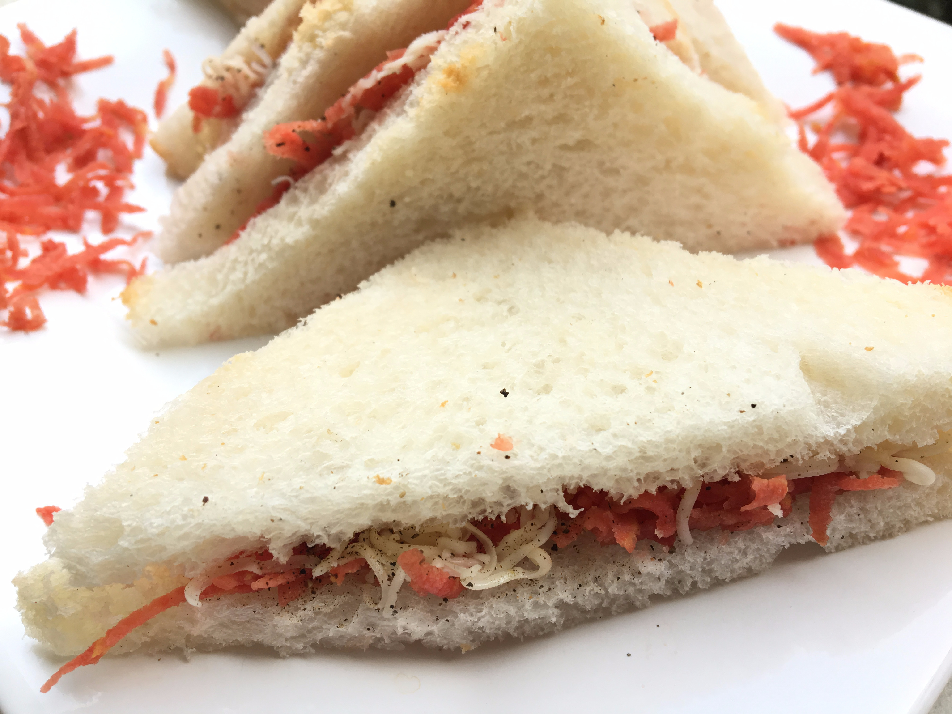 Easy and yummy Carrot and Cheese Sandwich!
