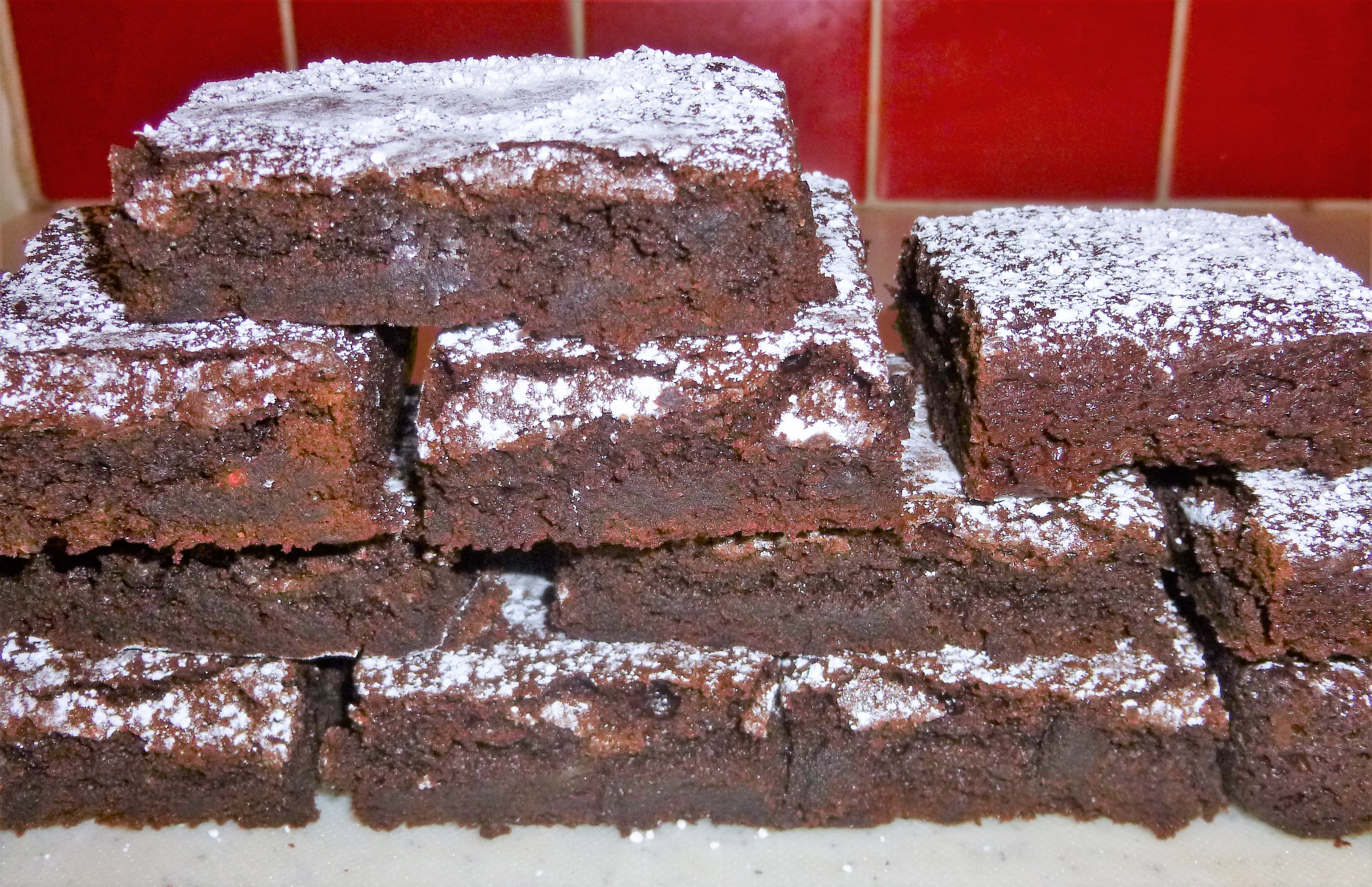Easy Brown Sugar and Flour Fudgy Chocolate Brownies Recipe