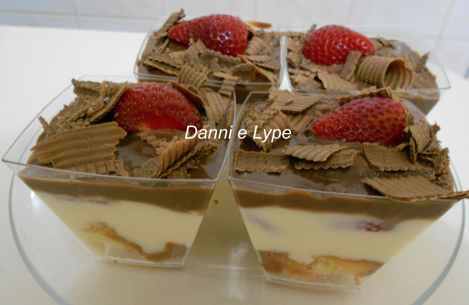 Verrine de Morango e Chocolate (versão normal e diet)