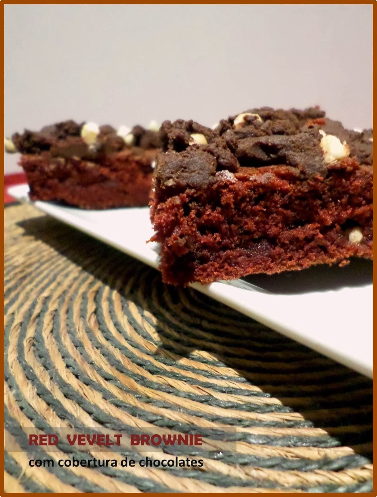 |comer|      Red Velvet Brownie com cobertura de chocolates