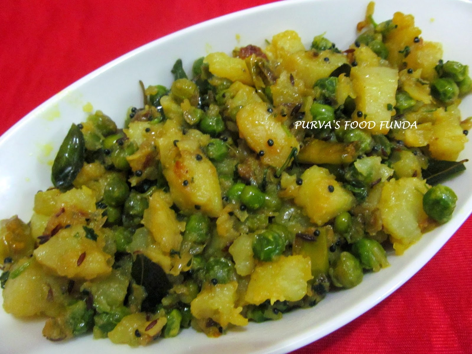 Matar-Batata Suki Bhaji ~Green Peas & Potato Dry Curry