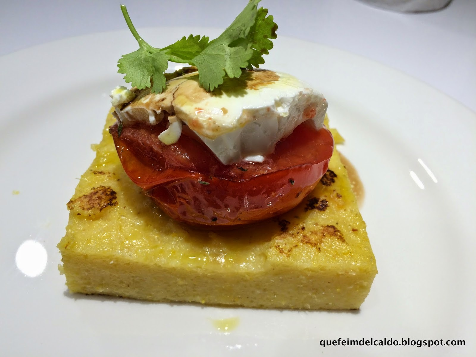 POLENTA CON TOMATE ASADO Y QUESO. VIDEO-RECETA