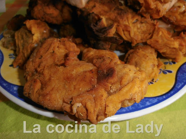 Pollo frito al estilo Kentucky Fried Chicken (KFC)