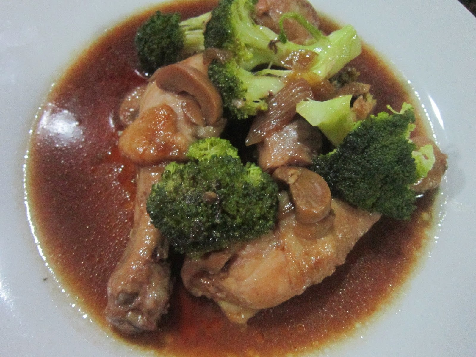 CHICKEN MUSHROOM and BROCCOLI in OYSTER SAUCE