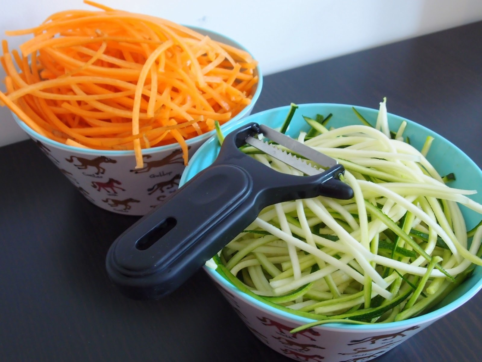 Spicy carrot and zucchini noodles