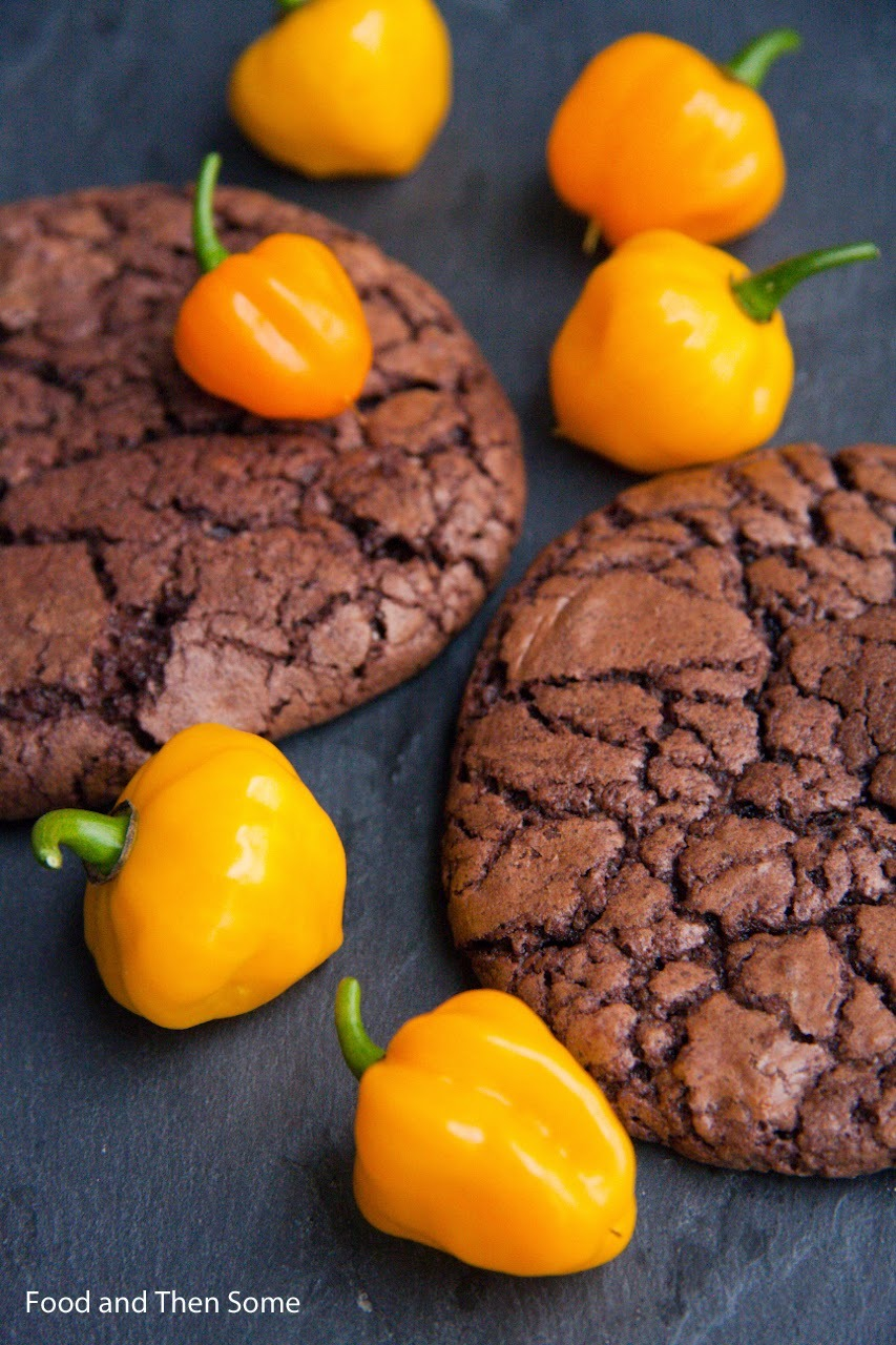 Chili-suklaacookiet / Chili Chocolate Cookies
