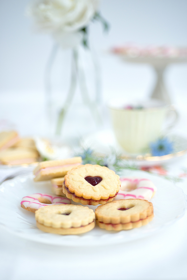 Classic British biscuits – Jammy Dodgers, Custard Creams and Party Rings