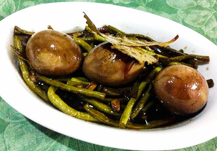 Adobong Sitaw (String Beans Cooked Adobo-style)