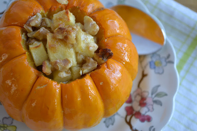 Minimal Monday:  Apple Crisp in a Mini Pumpkin