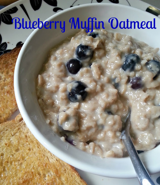 Healthy Blueberry Muffin Oatmeal (WW Points available)