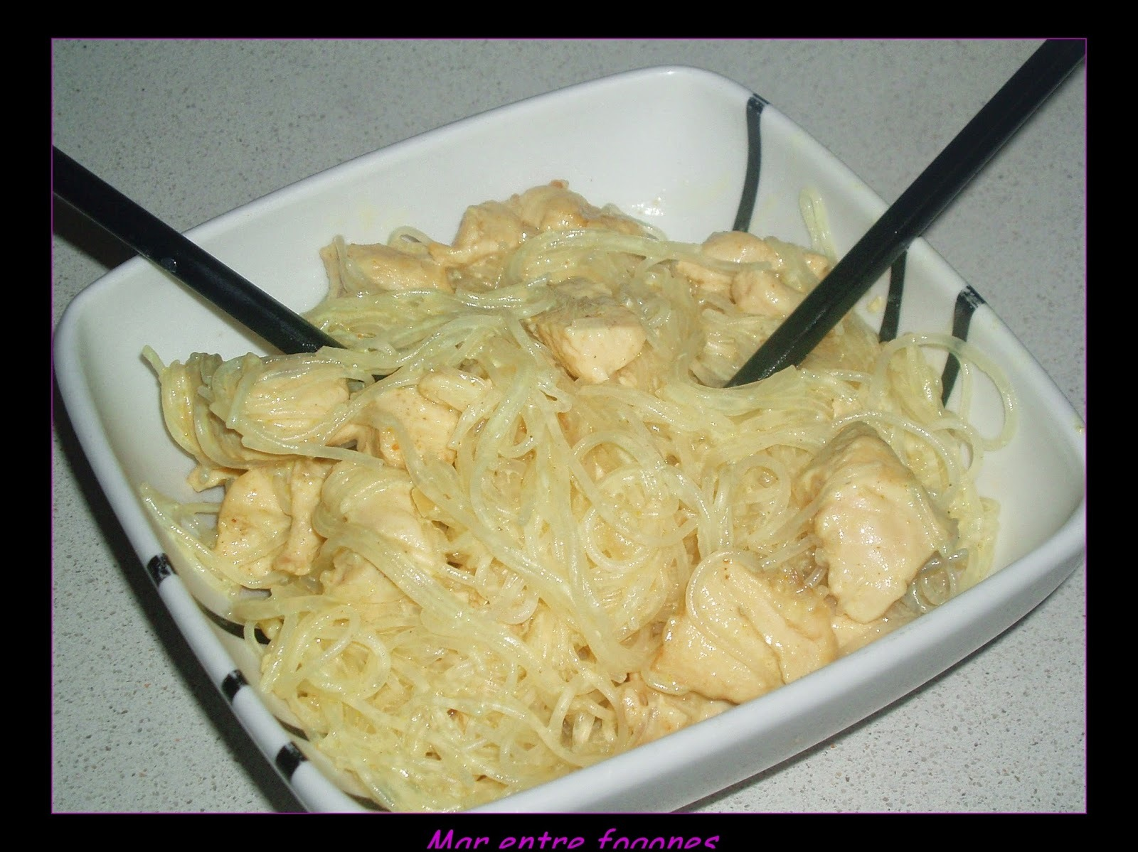 GLASS NOODLES CON POLLO AL CURRY