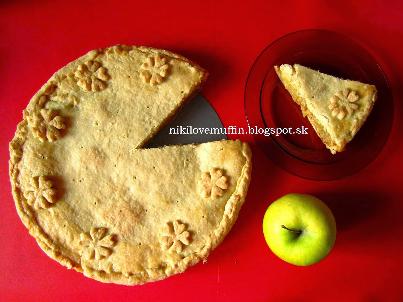 Apple pie s karamelom a orechami