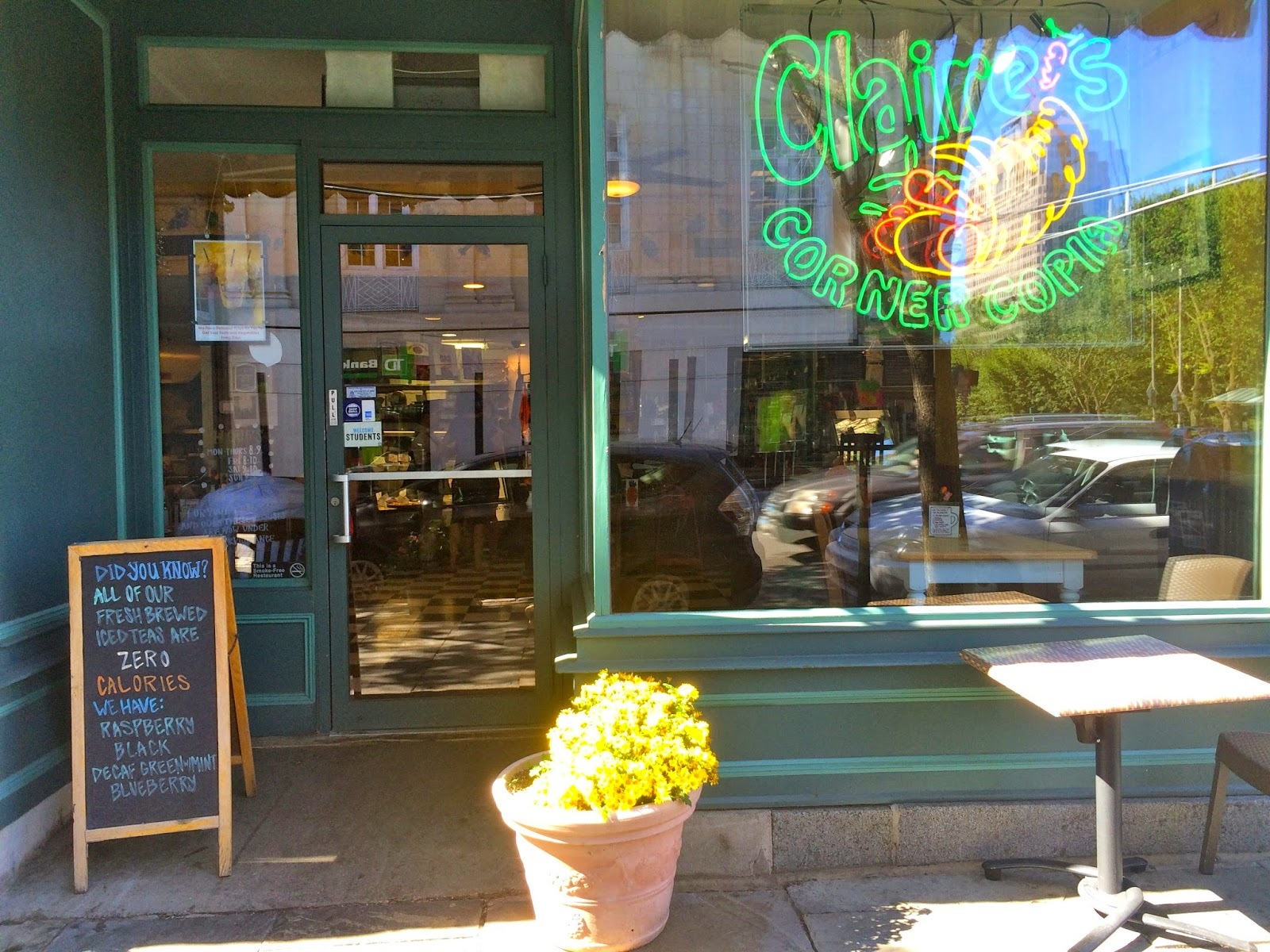 vegan unterwegs: claire's corner copia in new haven, connecticut