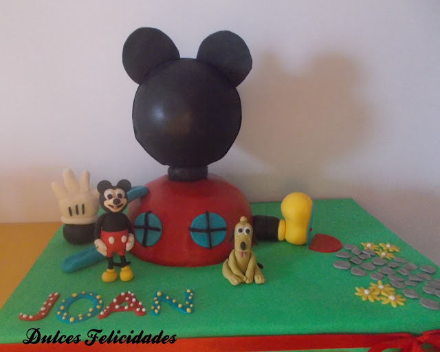 Tarta la casa de Mickey Mouse: Buttercream de chocolate con leche