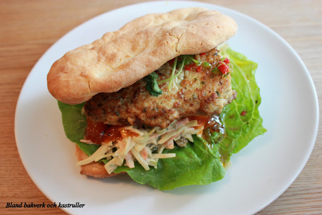 NEW DELHI CHICKEN BURGER