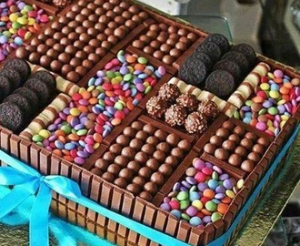 Ricette di decorazioni torte con smarties mytaste for Decorazione torte con smarties