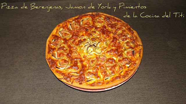Pizza de Berenjena, Jamon York, Pimiento y Tomate natural