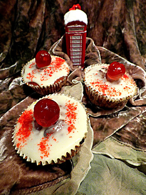 Orange and cranberry cupcakes