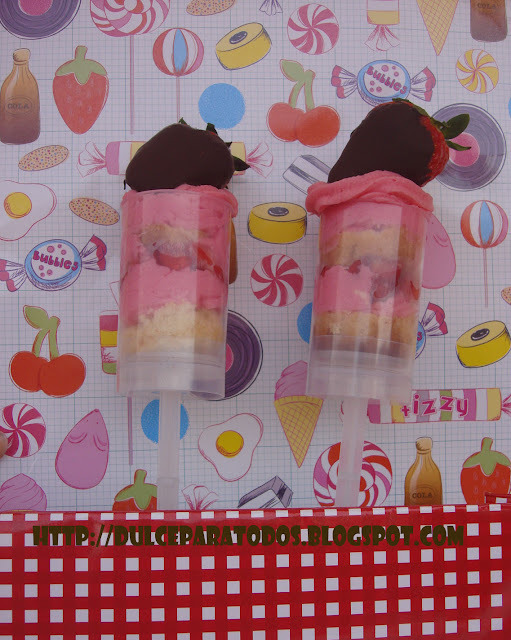 Push Up Cake Pops de fresa