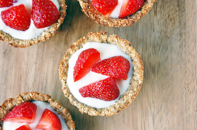 DAY THREE: Berry oat cups