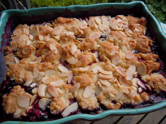 Leila´s mixed fruit cobbler