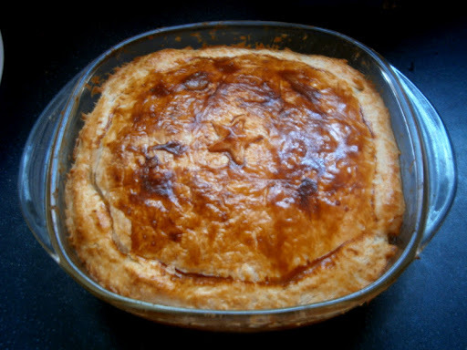 Chicken and mushroom puff pastry pie