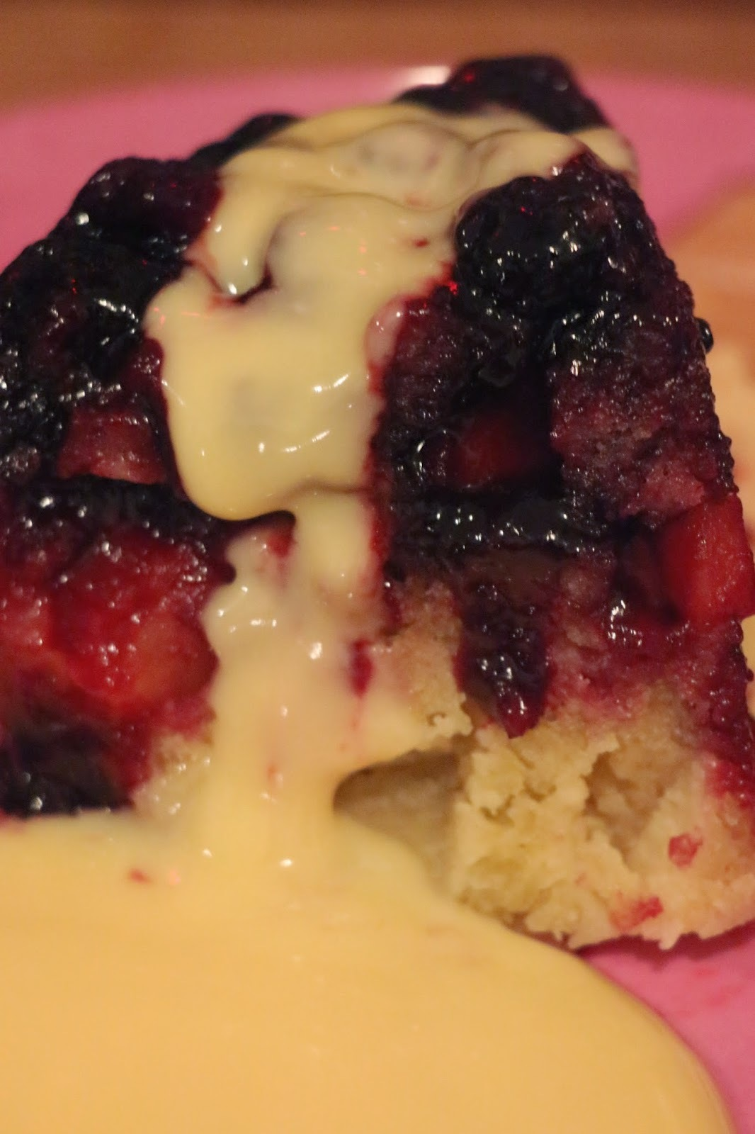 BRAMBLE BLACKBERRY AND WILD APPLE SPONGE PUDDING