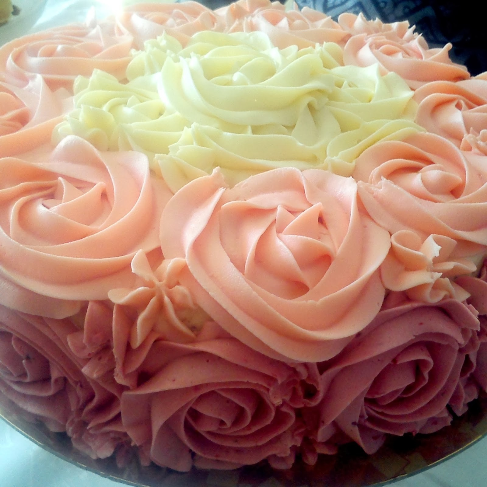 Ombre rose cake - różany tort
