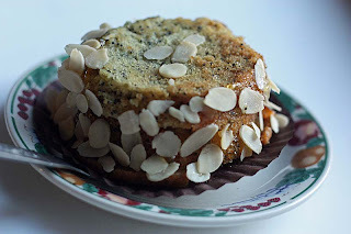 Vegan Orange Poppyseed cakes