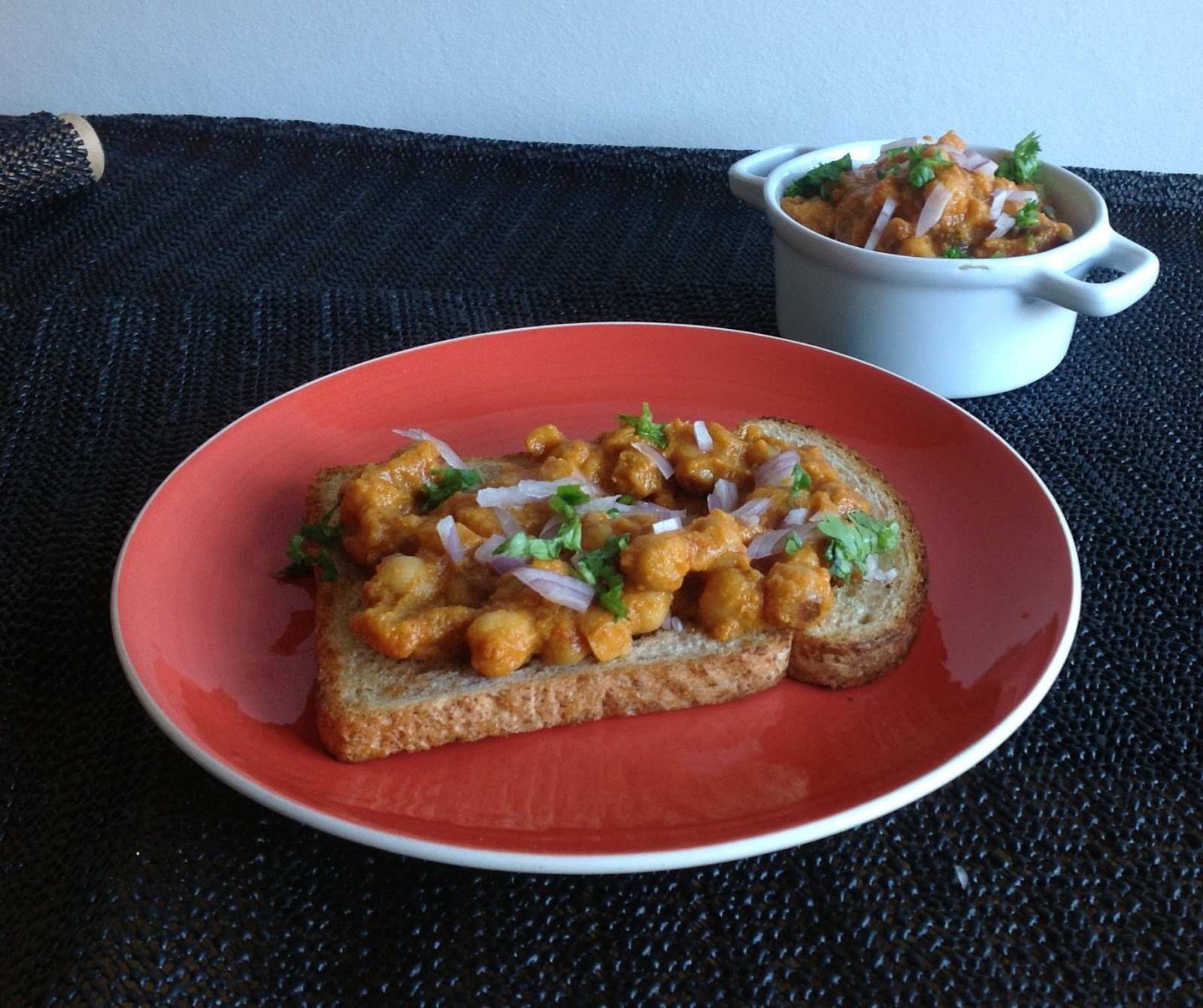 Bread and Channa Masala - Tiffin Idea