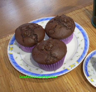 Muffins de chocolate negro con pepitas de chocolate