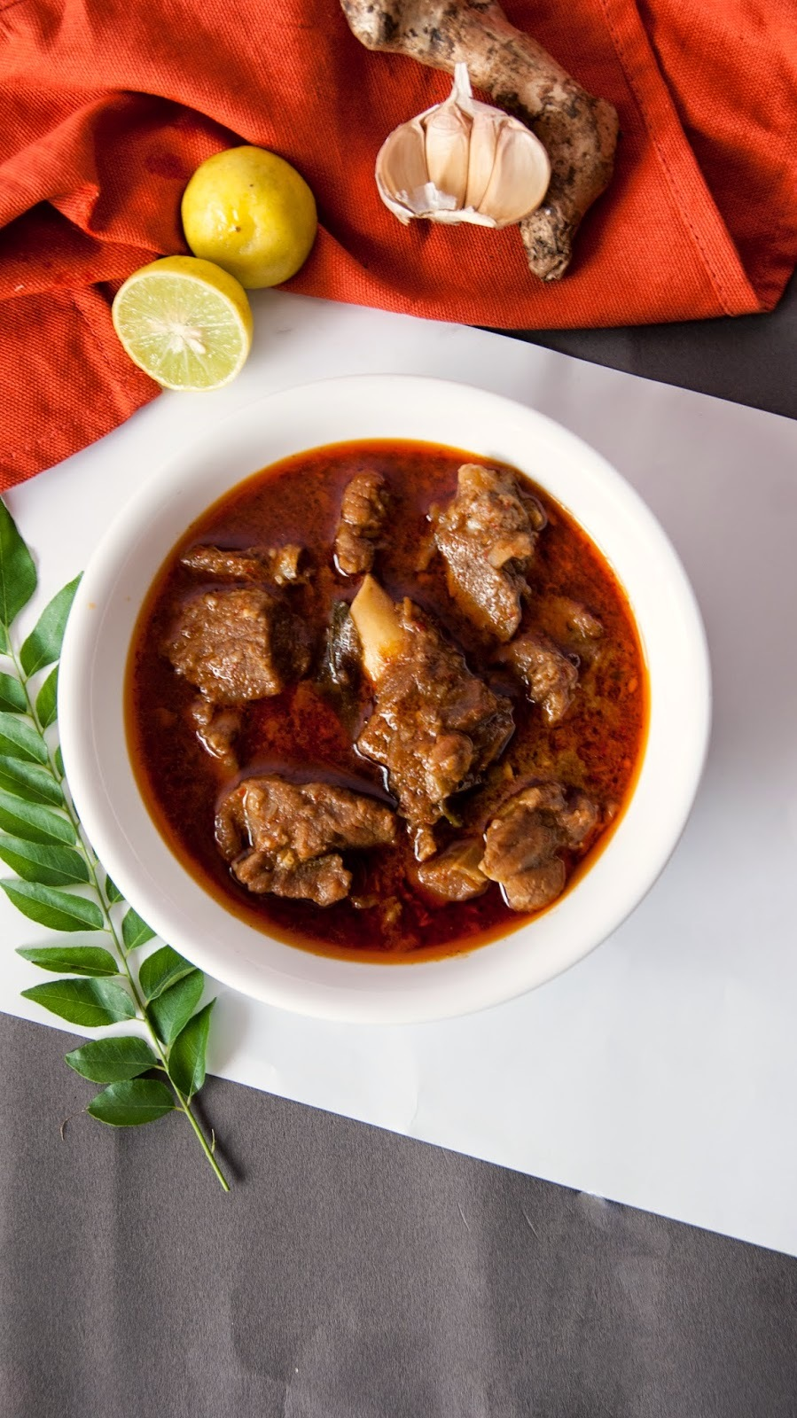 Authentic Chettinadu Mutton Gravy / Chettinadu Mutton Kuzhambu
