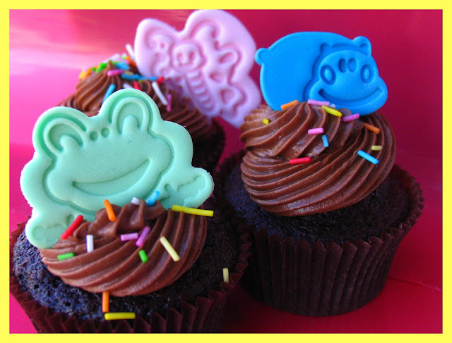 Hershey´s cocoa + Nutella + dark chocolate = ¡¡cupcakes superchocolateados!!