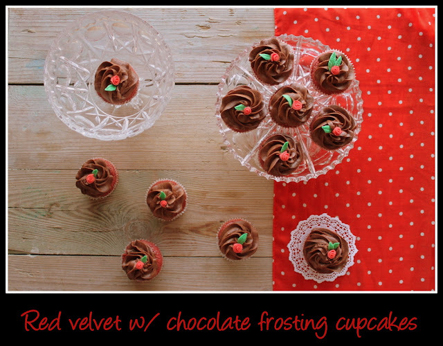 Cupcakes: Red velvet w/ chocolate frosting