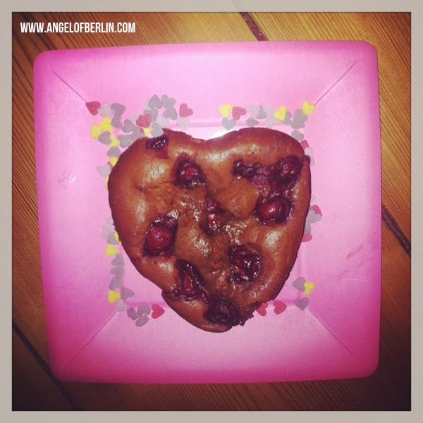 [bakes...] Chocolate Cherry Cake for Valentines Day