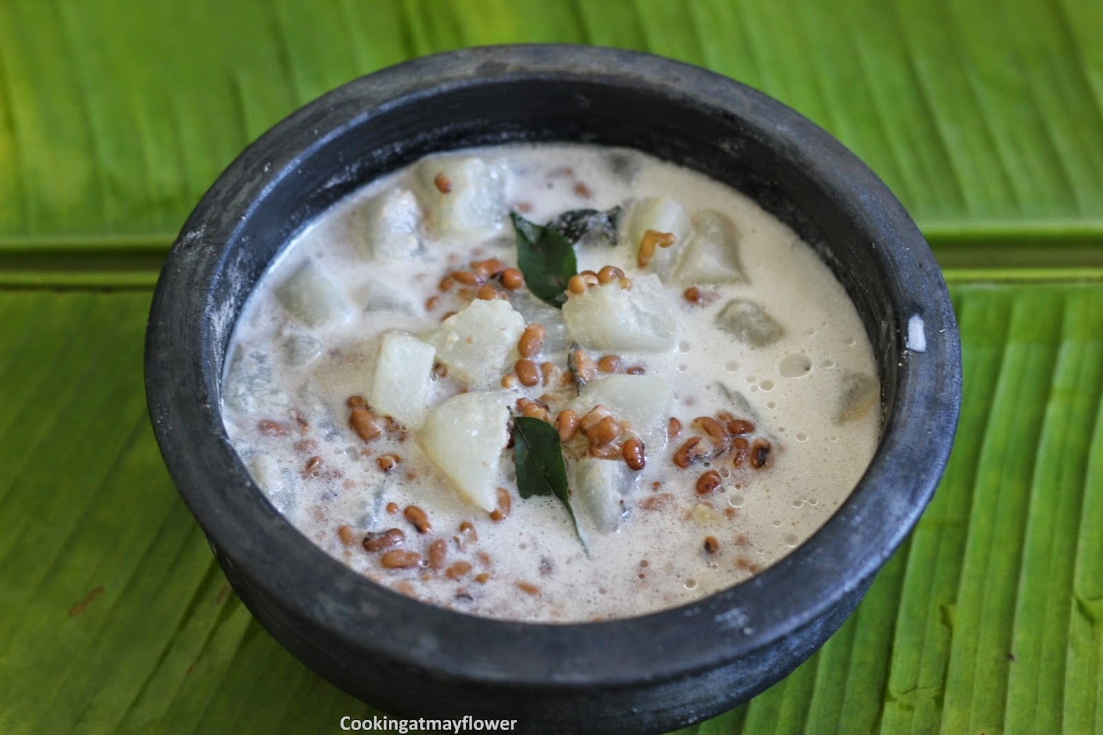 Olan/Ashgourd and Red Gram in thick coconut milk/Kumbalanga Vanpayar Olan