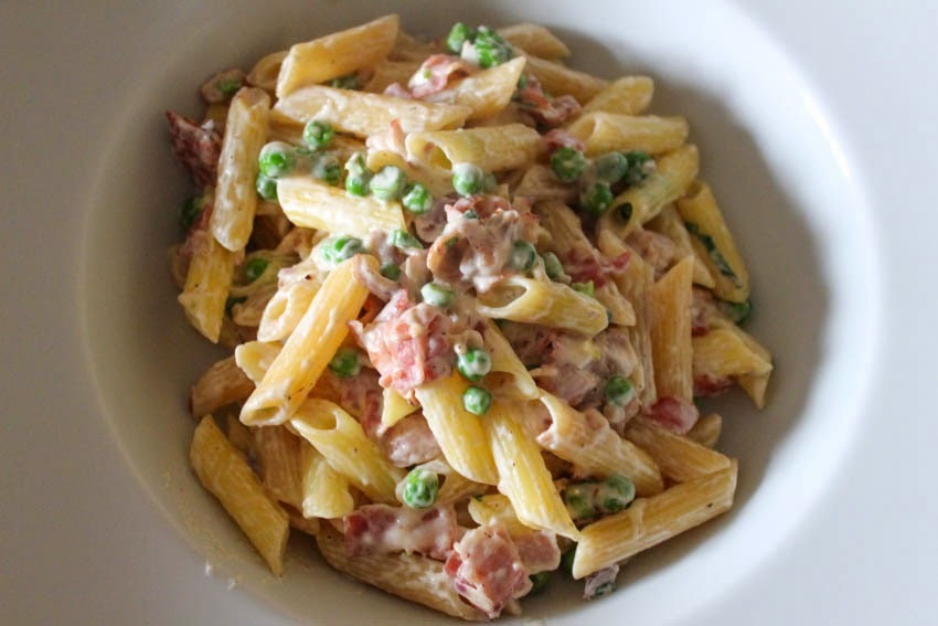 Feed 4 for £6: Creamy Pea and Bacon Pasta