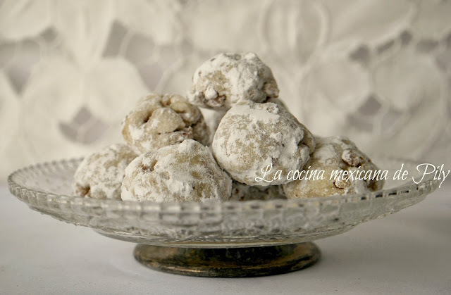 Polvorones de nuez , ¿Mexican wedding cookies?
