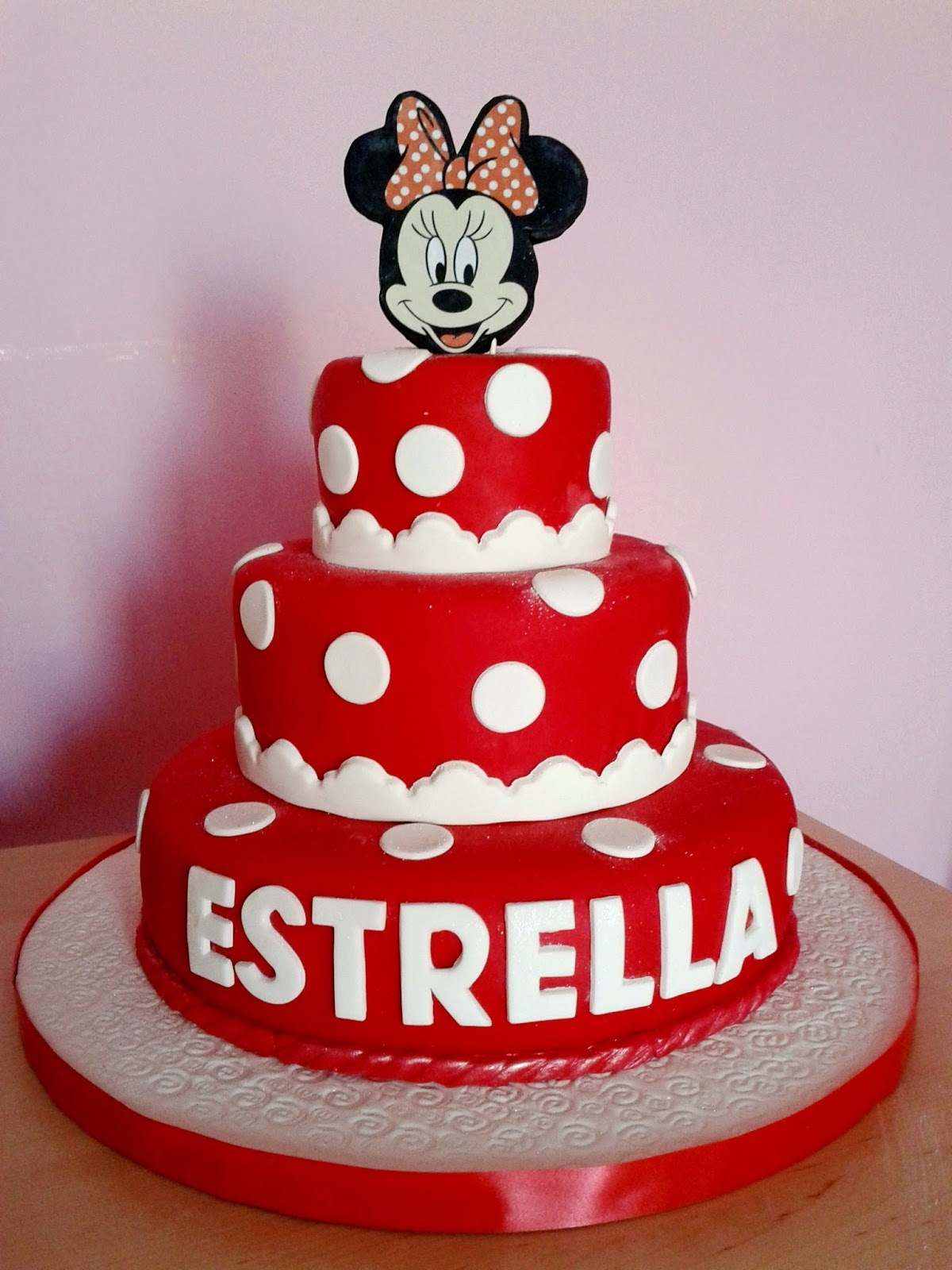 Minnie Mouse Cake (3 pisos)