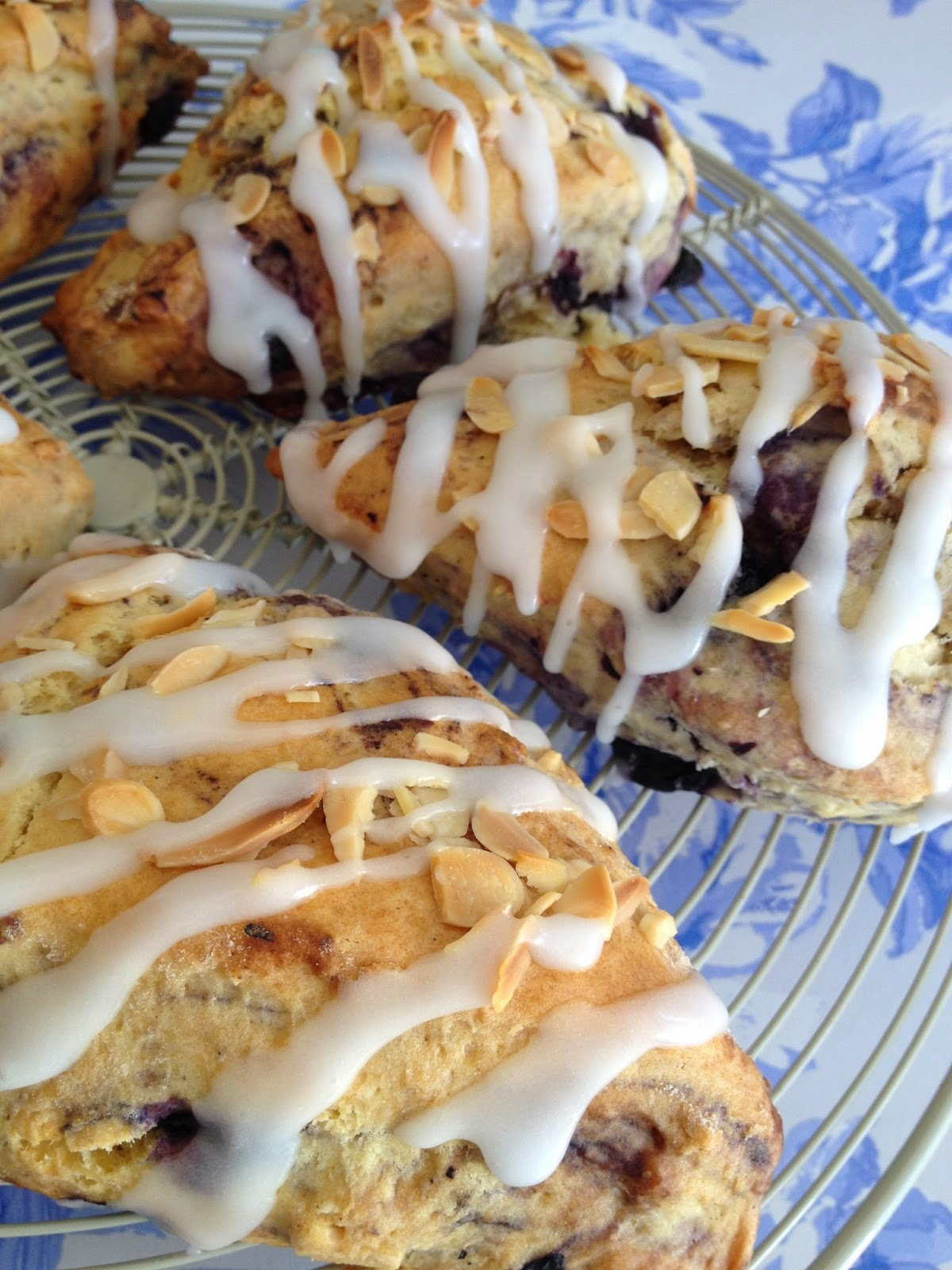 BLUEBERRY & ALMOND SCONES