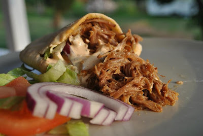 Pulled pork i pitabröd