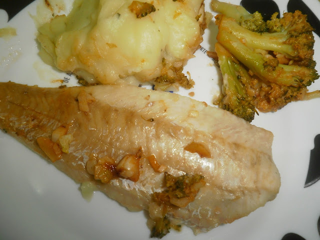 filetes de pescada com broculos