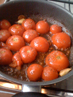 Sweet caramelized tomatoes without sugar