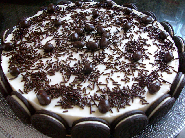 tarta de chocolate blanco y galletas oreo